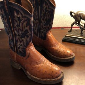 Ladies Ariat peanut butter color ostrich boots.